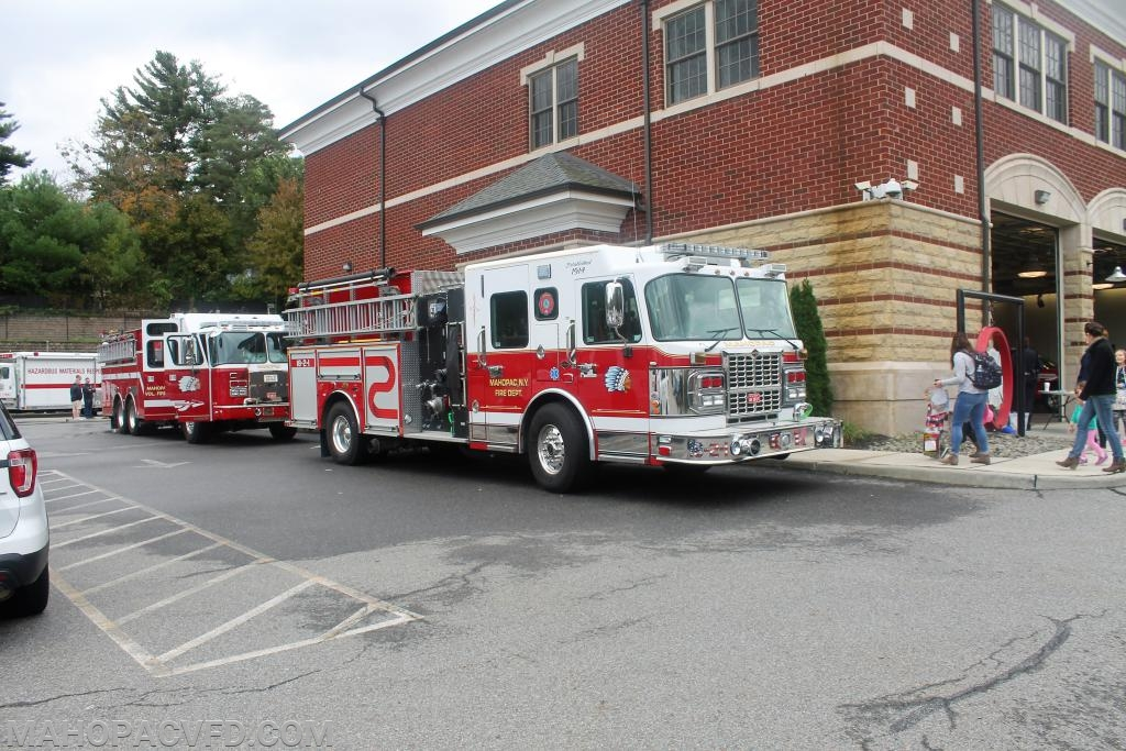 18-2-1 and 18-4-1  line up for Fire Truck rides